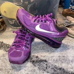 Nike Air Max - women's size 7